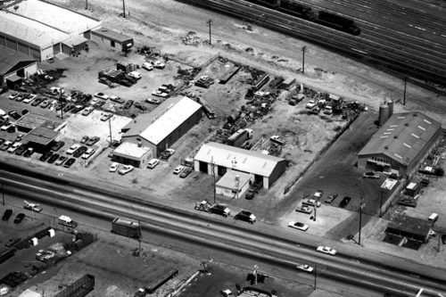 J&K's first location on Truxtun Rd, in 1968